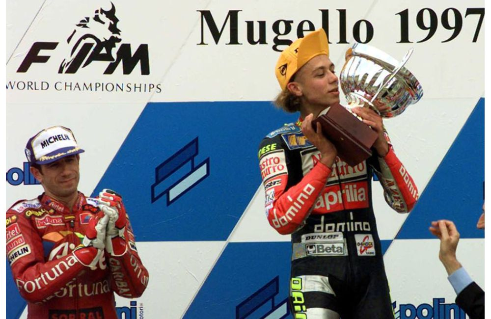 1997 - VALENTINO'S FIRST WORLD TITLE_2