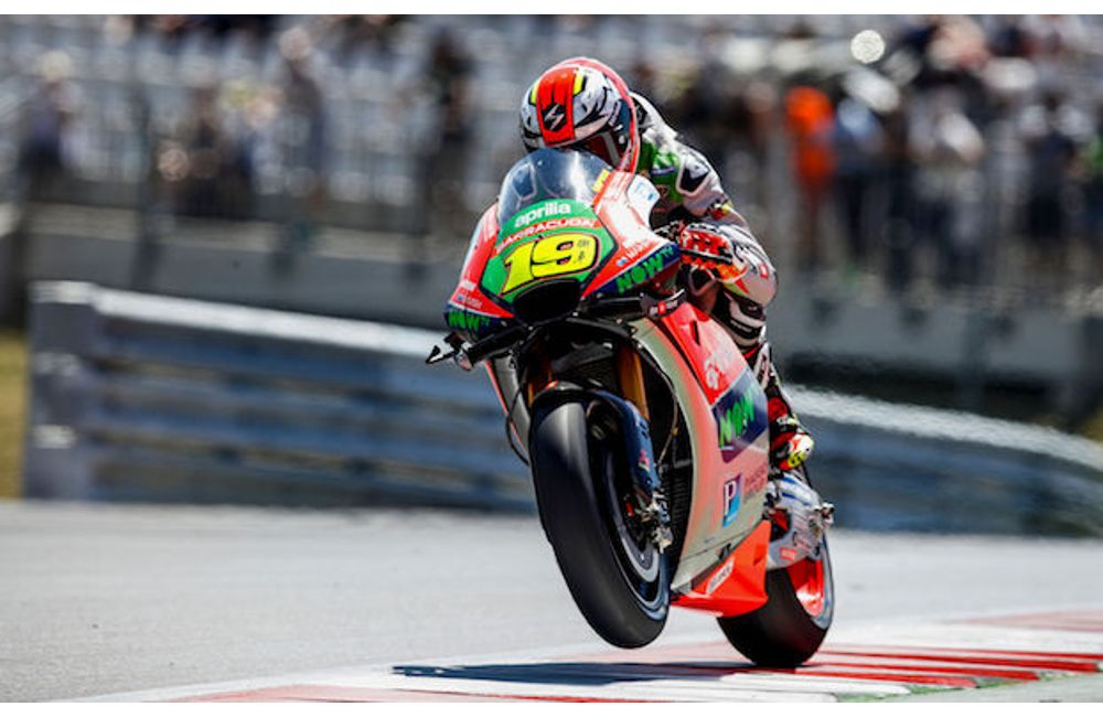 APRILIA EXPLORES THE RED BULL RING_APRILIA SCOPRE IL RED BULL RING2