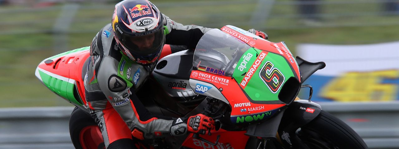 APRILIA IN THE POINTS WITH STEFAN BRADL
