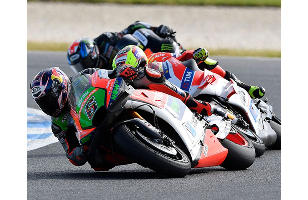 BOTH APRILIAS IN THE POINTS IN AUSTRALIA_2