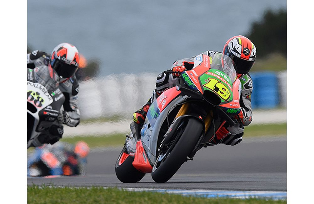 BOTH APRILIAS IN THE POINTS IN AUSTRALIA_3