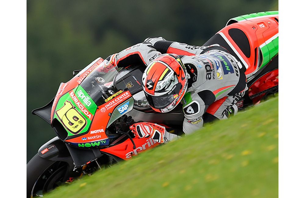 FALL TEMPERATURES WELCOME APRILIA TO THE RED BULL RING_0