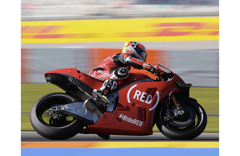 AT VALENCIA THE APRILIA RS-GP MACHINES ON THE TRACK IN (RED) LIVERY_0