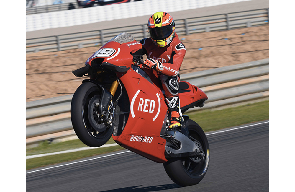 A VALENCIA IN PISTA LE APRILIA RS-GP IN LIVREA (RED)_2