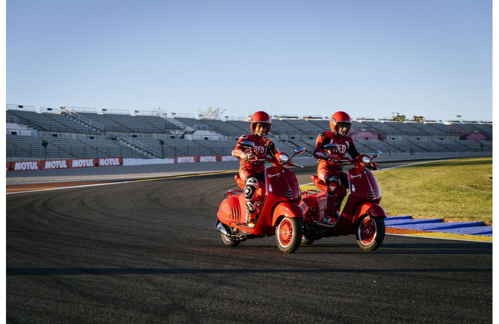APRILIA RACING CELEBRATES (RED) AT THE VALENCIA GP_3