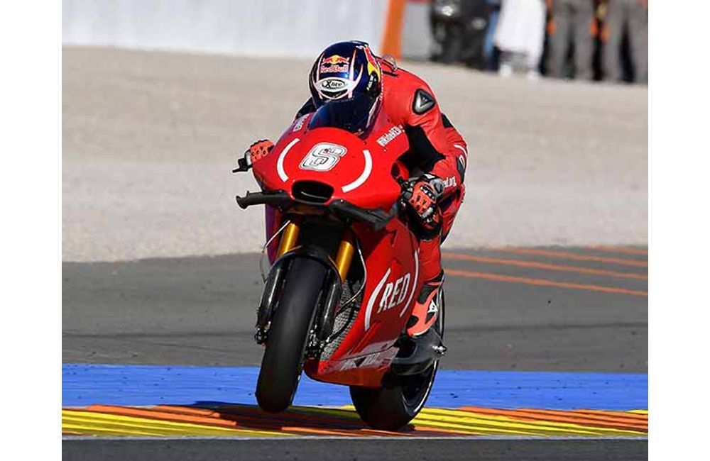 BOTH APRILIA RIDERS IN THE POINTS AT VALENCIA AND BAUTISTA IN THE TOP TEN AGAIN_3