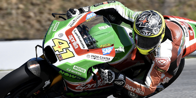 ESPARGARÓ RIDES HIS APRILIA STRAIGHT THROUGH TO Q2, BUT A CRASH STOPS HIM ON THE FOURTH ROW_thumb