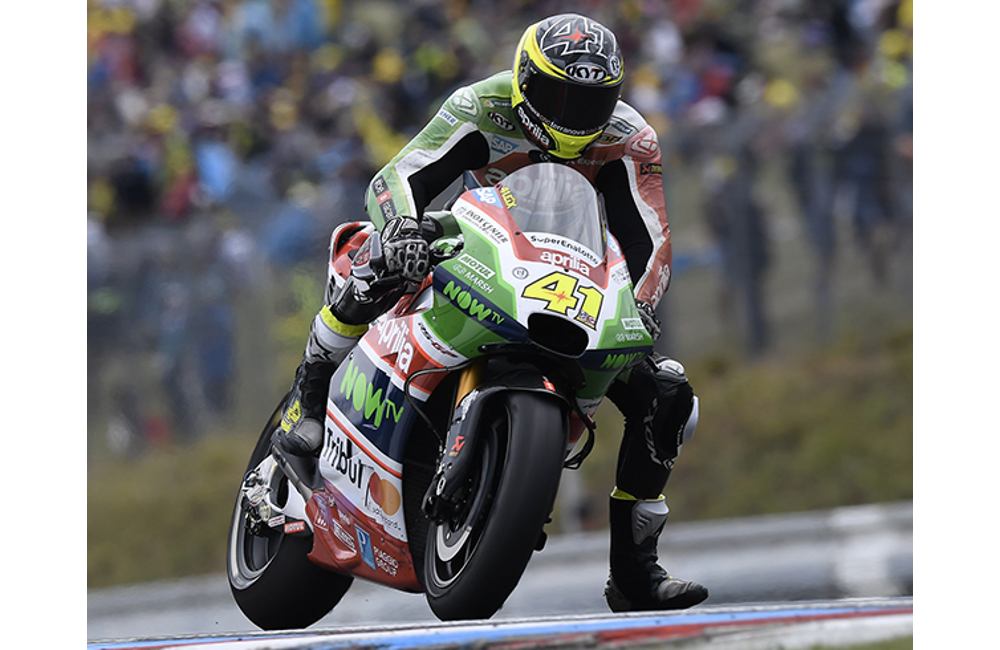 ALEIX ESPARGARÓ PLAYS A KEY ROLE IN THE RACE, TAKING A GOOD EIGHTH PLACE FINISH IN BRNO DESPITE A PENALTY_0