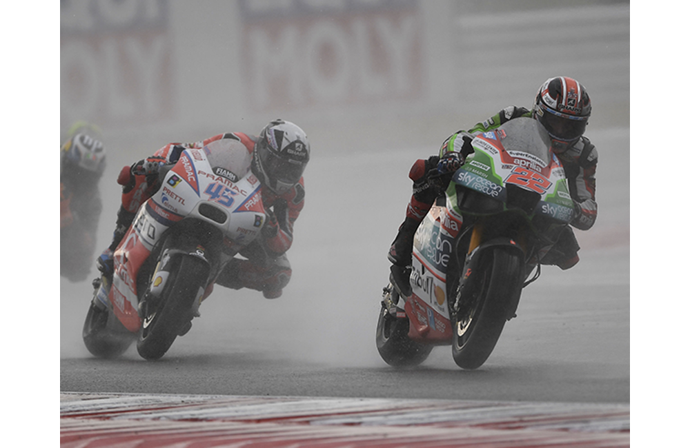 DOUBLE CRASH FOR ESPARGARÓ AND LOWES, BOTH WERE INTO THE TOP-TEN_3