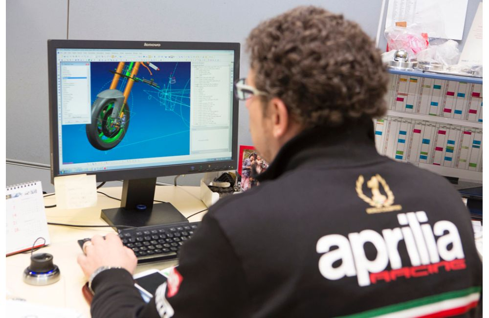 Aprilia Racing and Experis together_1