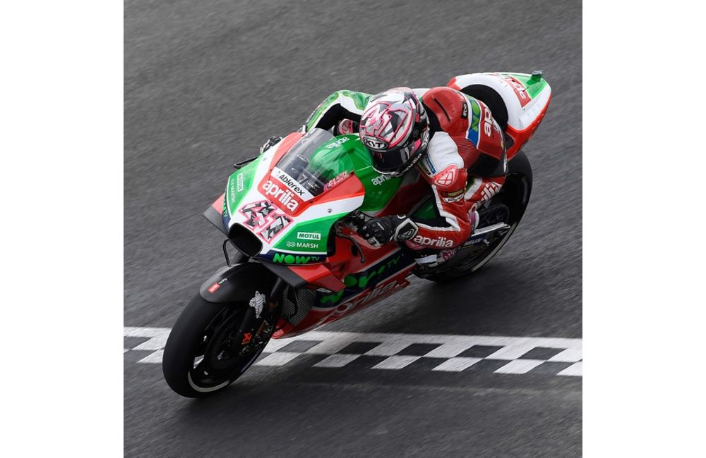 ARGENTINA, 1ST DAY OF PRACTICE. APRILIA TAKES BOTH RIDERS TO JUST OUTSIDE THE TOP TEN_2