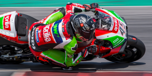 APRILIA ARRIVES IN LE MANS AFTER TWO INTENSE DAYS OF TESTING AT MUGELLO_thumb