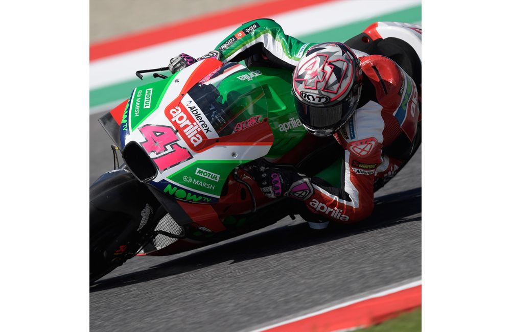 SEVENTH AND EIGHTH ROW AT MUGELLO FOR ESPARGARÓ'S AND REDDING'S APRILIAS_2