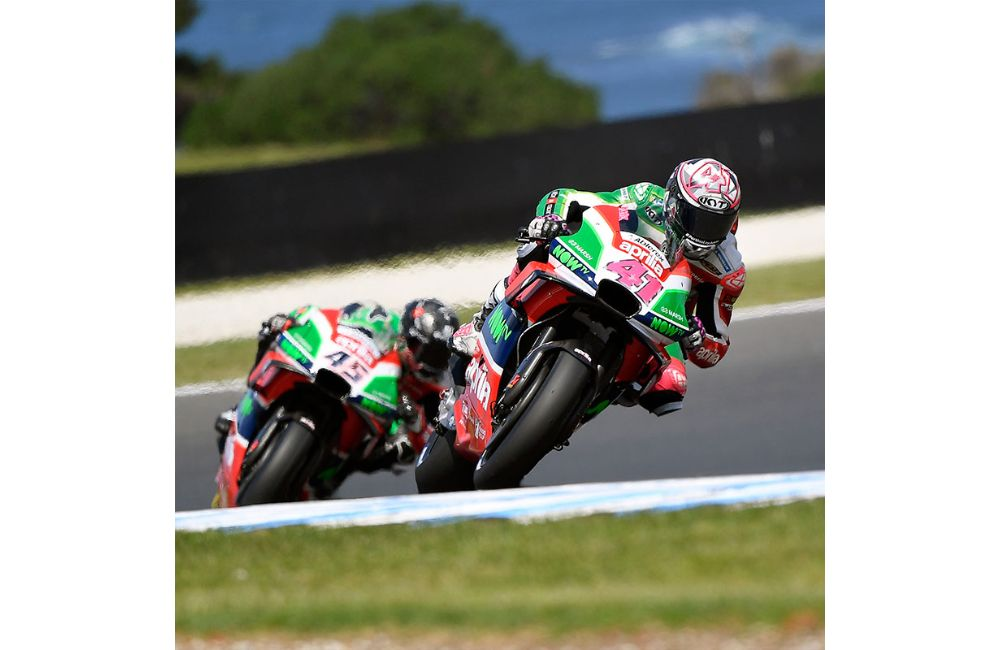 SEVENTH AND EIGHTH ROW FOR APRILIA AT PHILLIP ISLAND_0