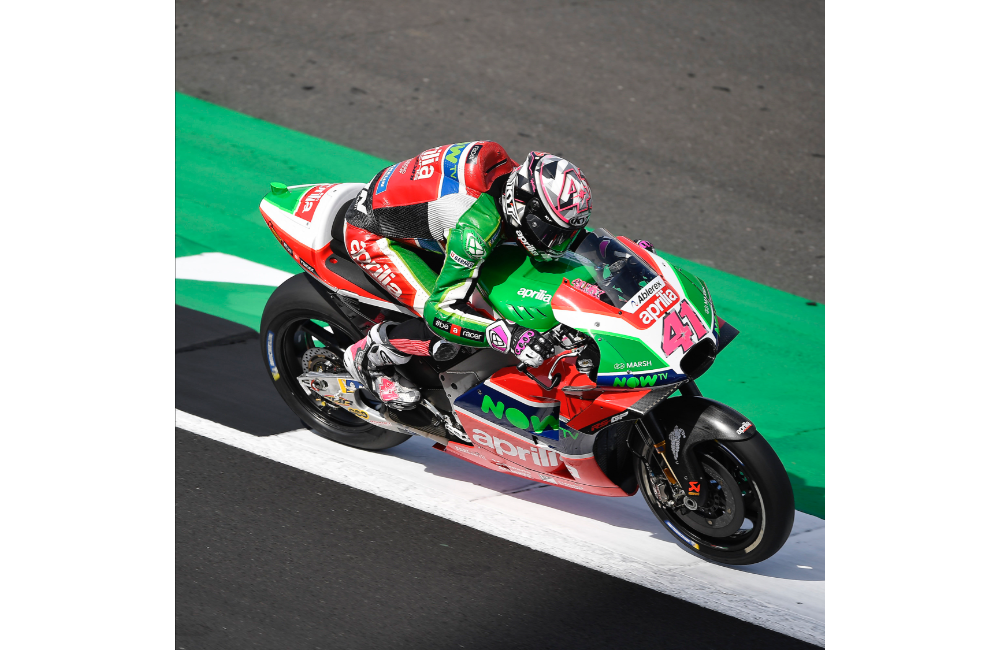 ESPARGARÓ 16TH AND REDDING 20TH AT THE END OF THE FIRST DAY OF PRACTICE AT SILVERSTONE_0