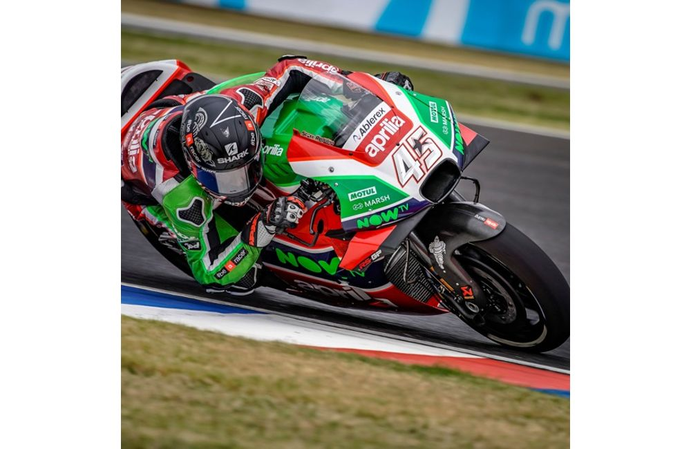 APRILIA DOES WELL STRAIGHT AWAY ON THE FIRST DAY IN TEXAS_1