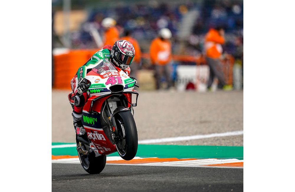 OUTSTANDING QUALIFIERS FOR APRILIA IN VALENCIA_0