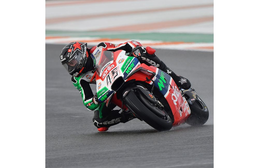 OUTSTANDING QUALIFIERS FOR APRILIA IN VALENCIA_1