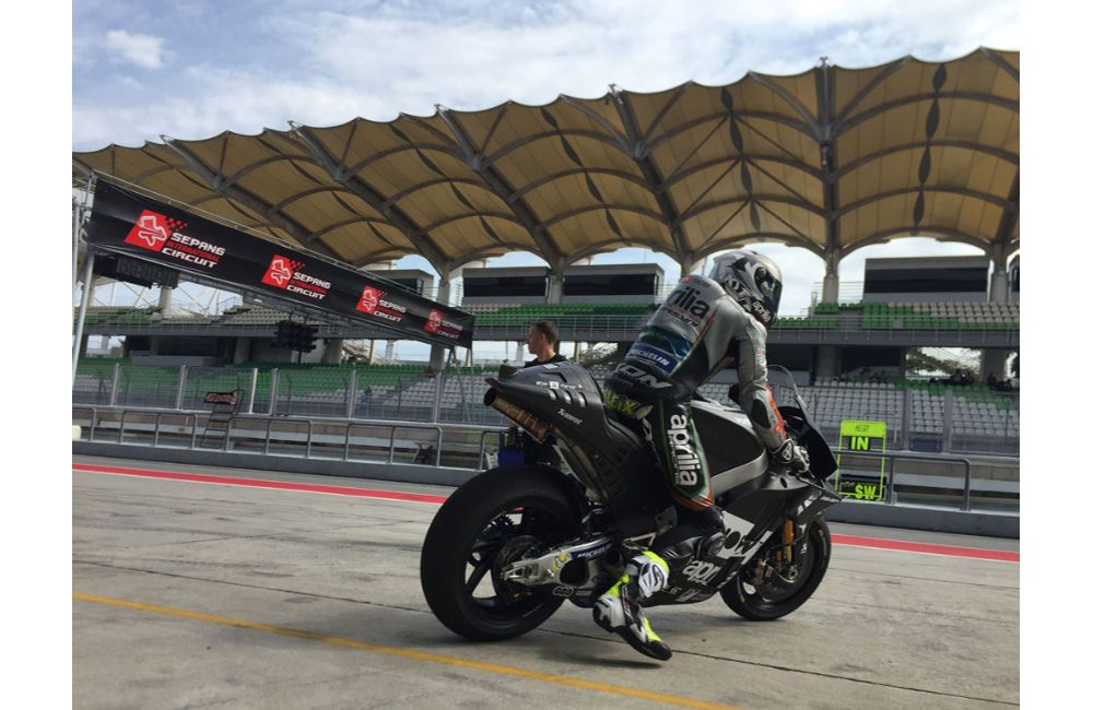 THE 2018 APRILIA RS-GP MAKES ITS TRACK DÉBUT IN SEPANG_2