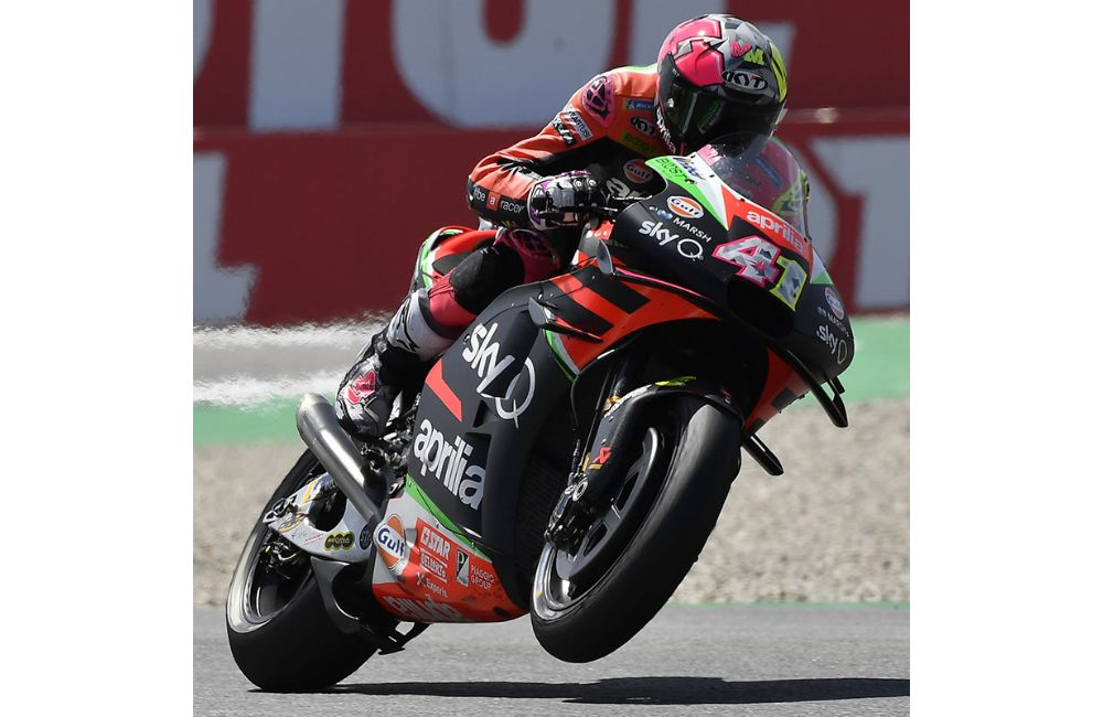 DECIDEDLY POSITIVE RACE FOR APRILIA_1