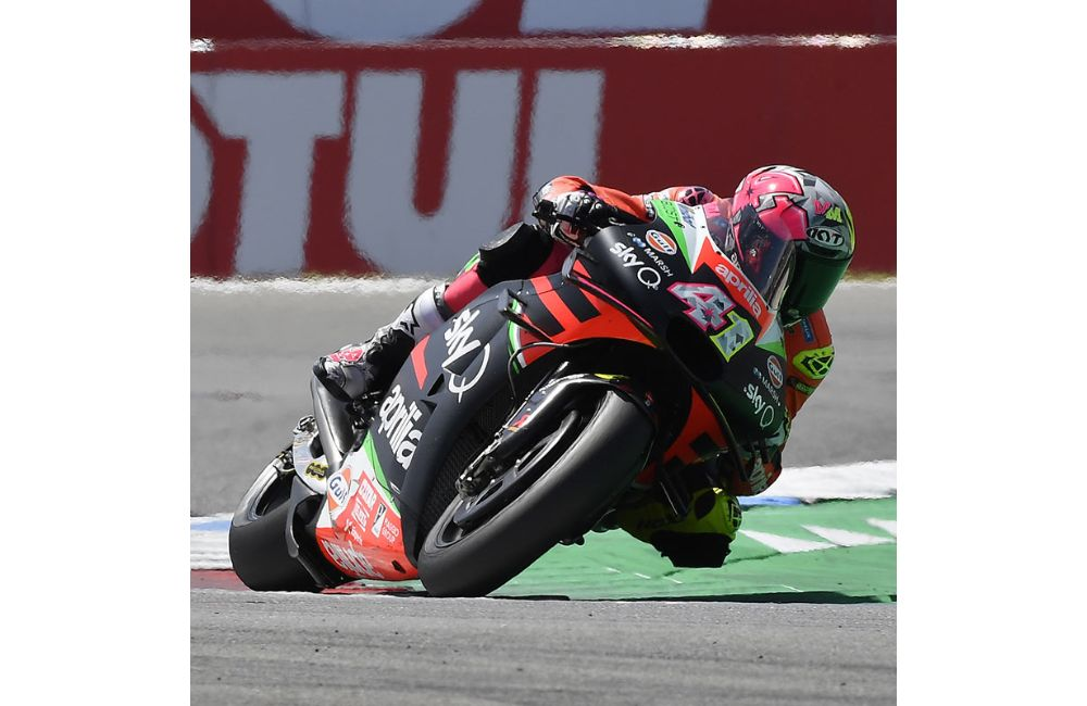 DECIDEDLY POSITIVE RACE FOR APRILIA_3