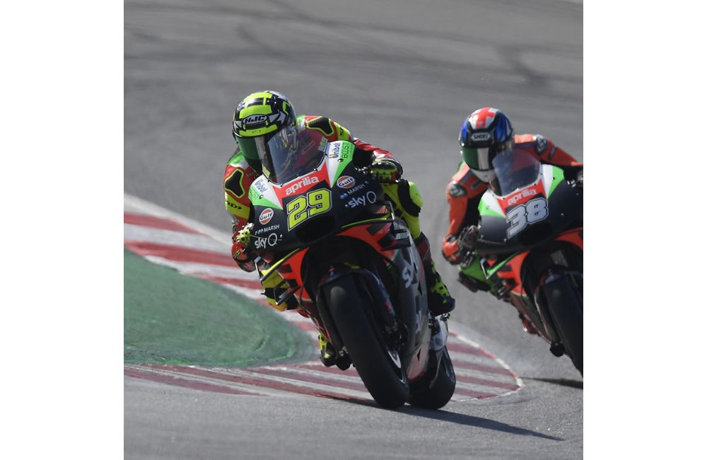 AN ACCIDENT TAKES ALEIX AND BRADLEY OUT OF THE RACE IN BARCELONA_0