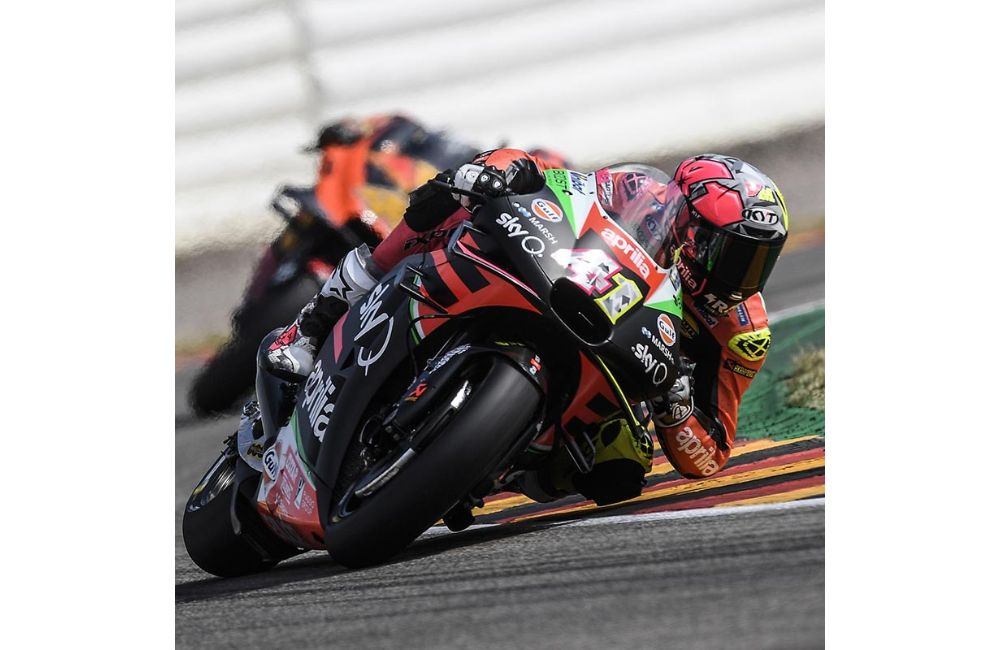 FIFTH AND SIXTH ROW FOR THE APRILIAS IN GERMANY_0