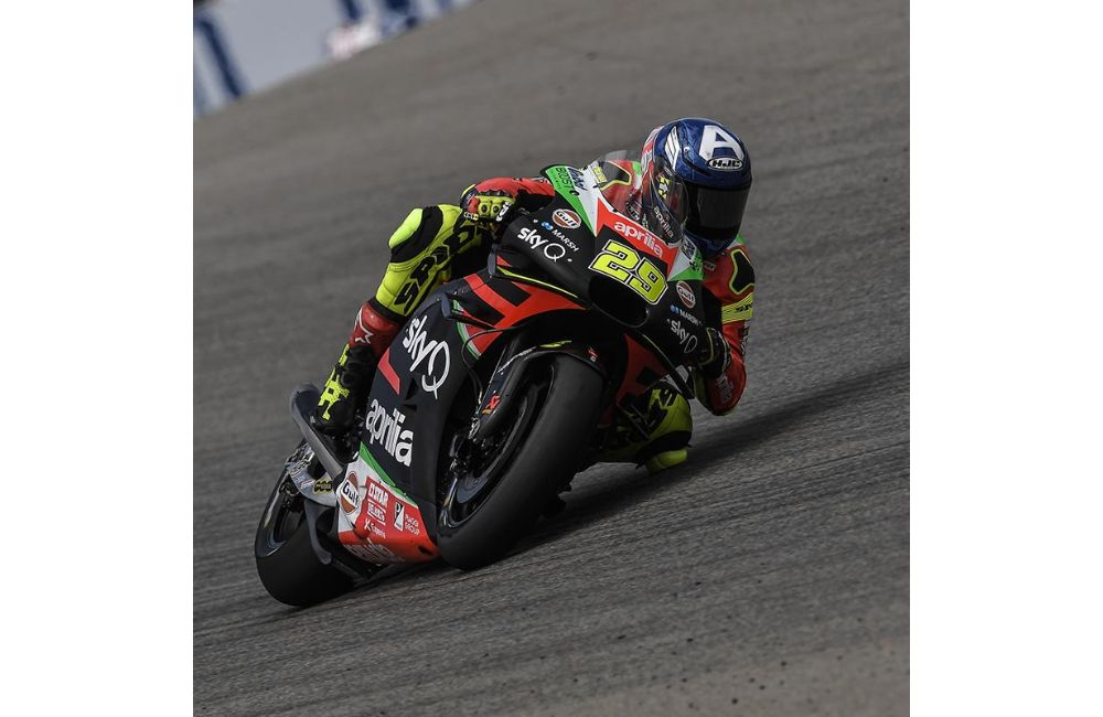 FIFTH AND SIXTH ROW FOR THE APRILIAS IN GERMANY_1
