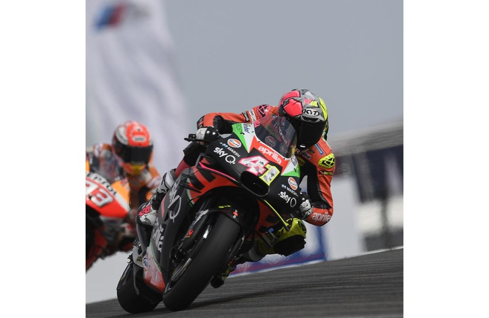 FIFTH AND SIXTH ROW FOR THE APRILIAS IN GERMANY_2