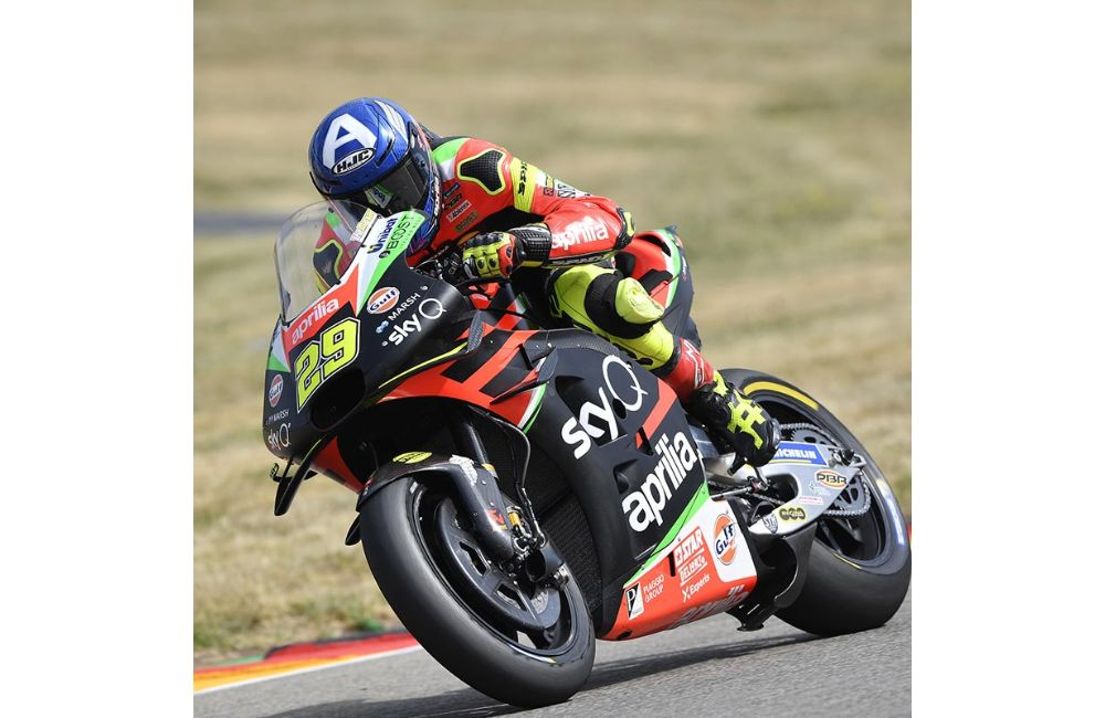 FIFTH AND SIXTH ROW FOR THE APRILIAS IN GERMANY_3