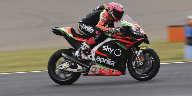 ALEIX ESPARGARÒ RIDES HIS APRILIA RS-GP TO THE THIRD ROW AT MOTEGI_thumb