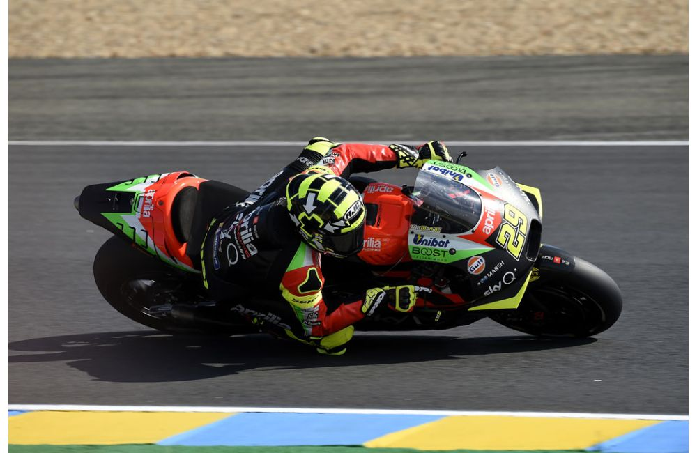 GOOD START FOR ALEIX WHO RIDES HIS APRILIA INTO THE TOP TEN ON THE FIRST DAY_1