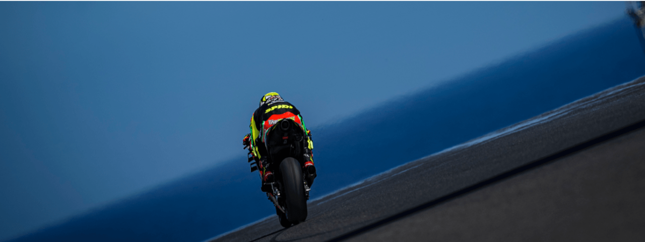 A GOOD FIRST DAY FOR THE APRILIA RIDERS ON PHILLIP ISLAND