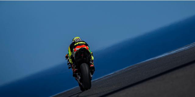 A GOOD FIRST DAY FOR THE APRILIA RIDERS ON PHILLIP ISLAND_thumb