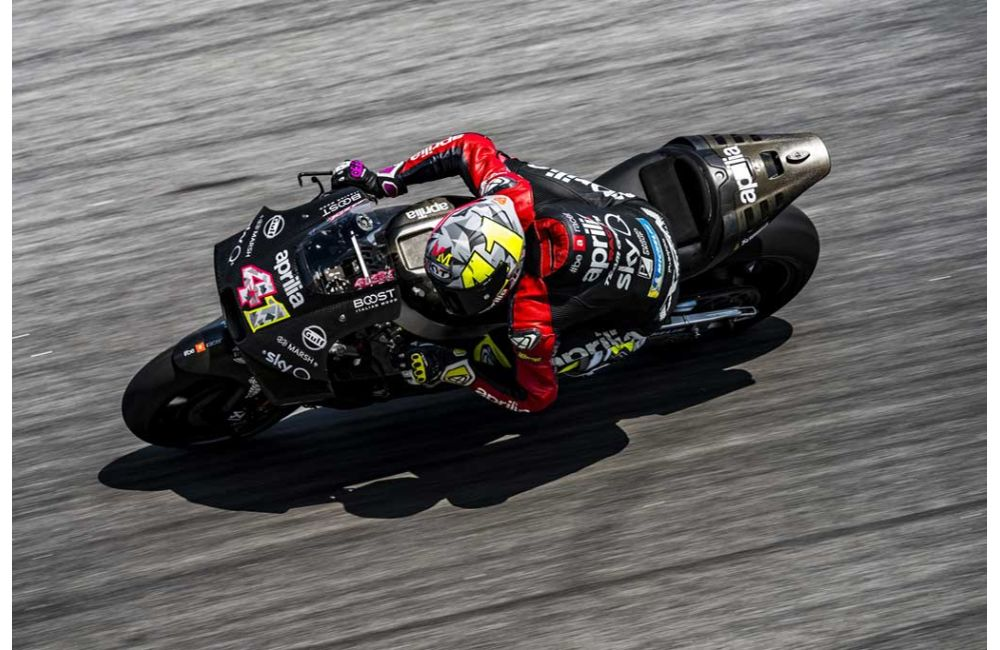 APRILIA RACING - SEPANG TESTS - DAY 1_0