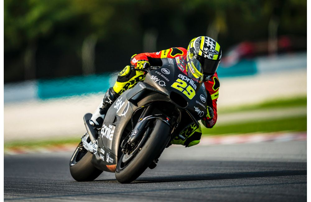 APRILIA RACING - SEPANG TESTS - DAY 1_3