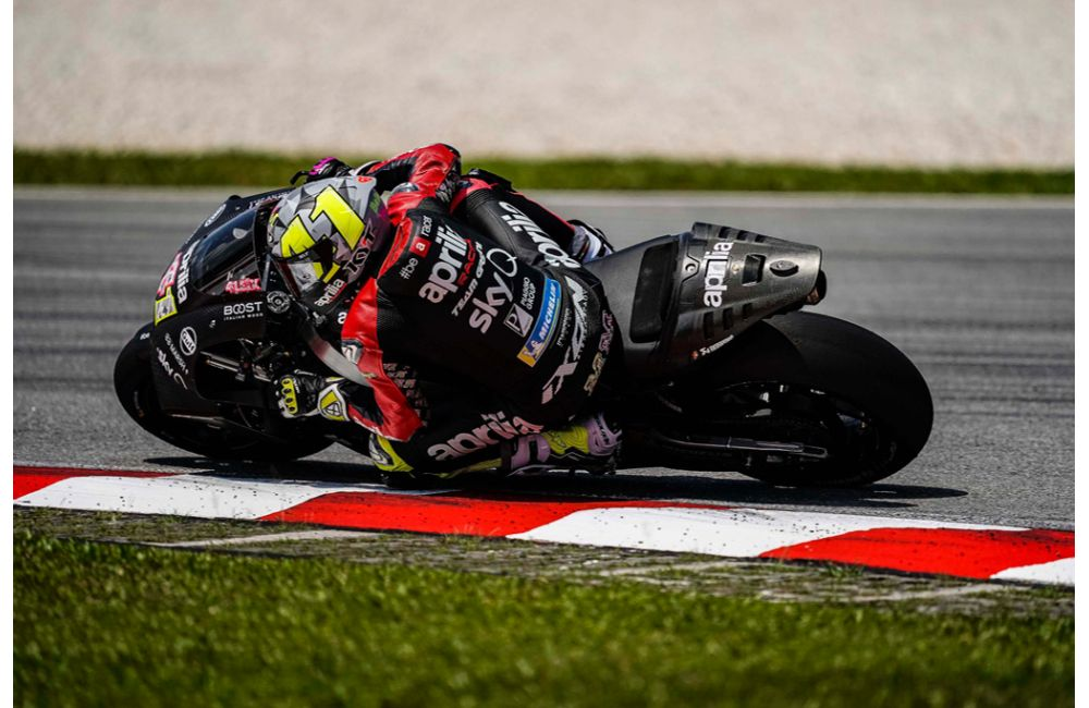 APRILIA RACING - SEPANG TESTS - DAY 2_1