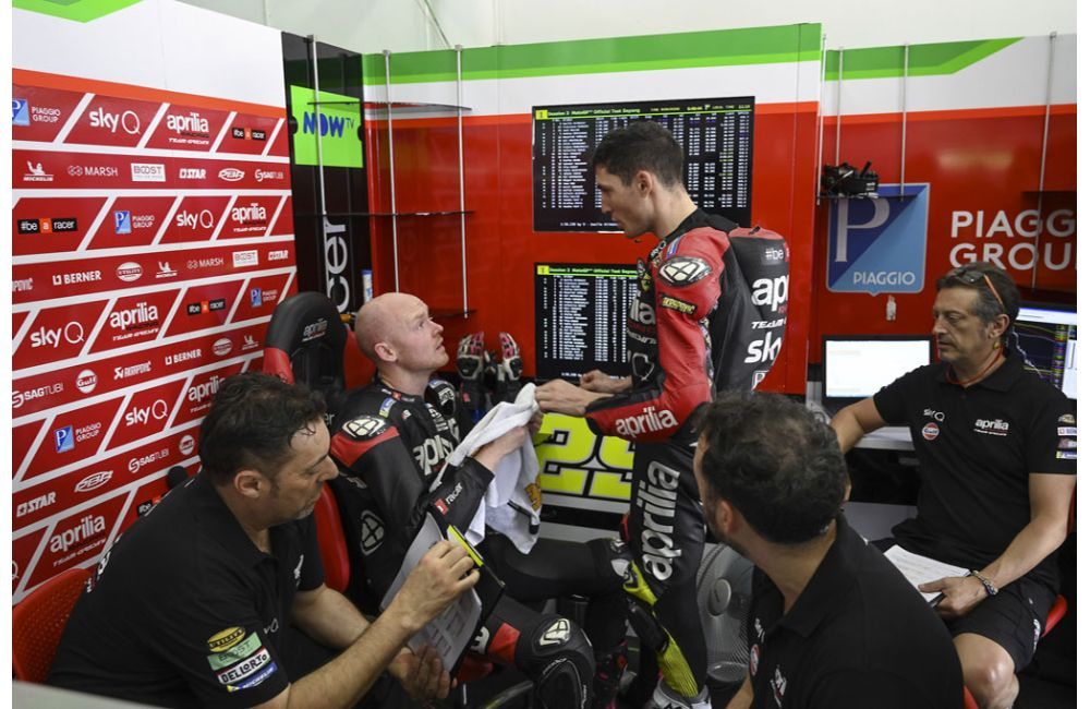 APRILIA RACING - SEPANG TESTS - DAY 3_2