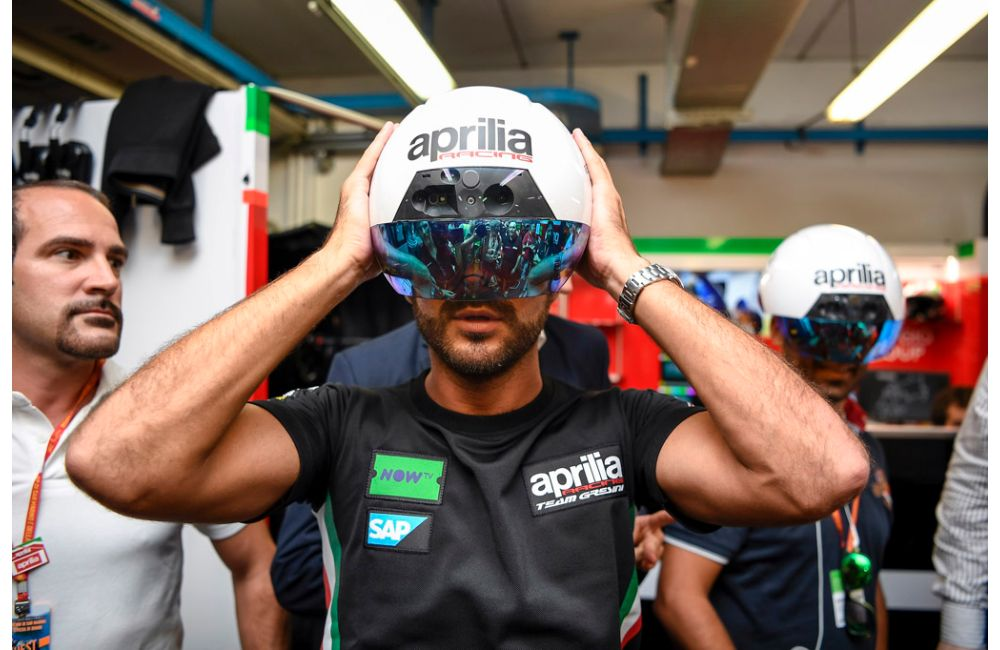 APRILIA RACING LEANS ON AUGMENTED REALITY AT MOTOGP TO MAINTAIN PEAK BIKE PERFORMANCE_1