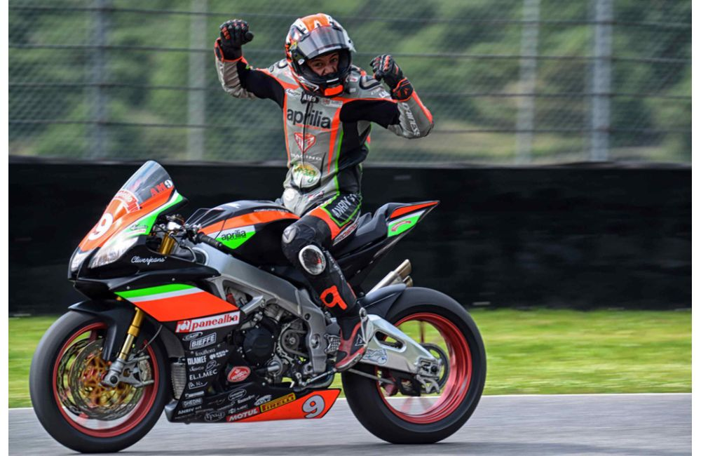 CIV - PODIUM FOR NUOVA M2 RACING WITH APRILIA RSV4 FW-STK_0