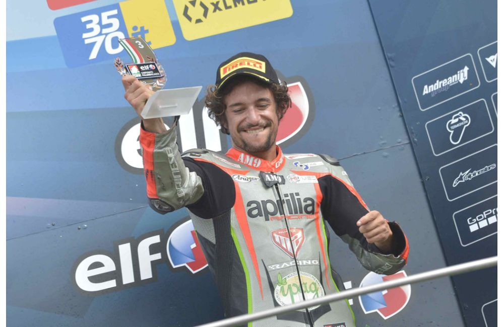 CIV - PODIUM FOR NUOVA M2 RACING WITH APRILIA RSV4 FW-STK_3