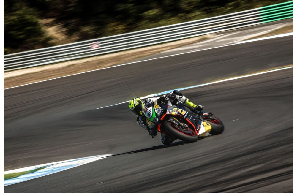 CNV 2019: RSV4 SUL PODIO ALL'ESTORIL_0