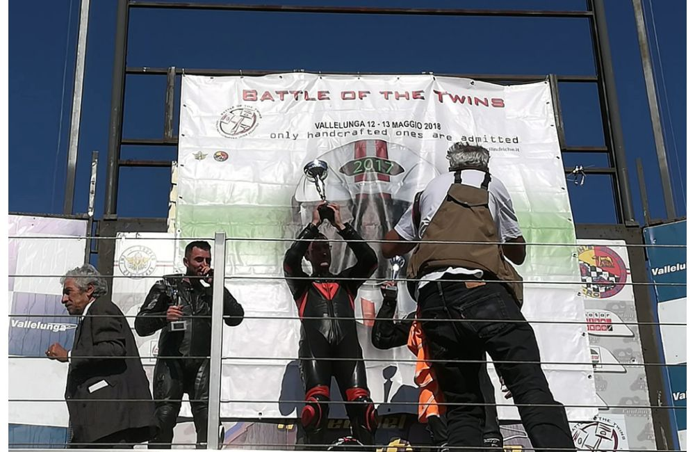 """Battle of Twins"", the RSV 1000 wins at Vallelunga_0"