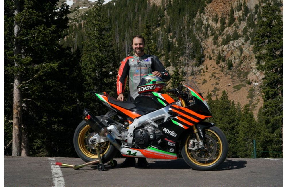 APRILIA EAGER TO TOP PIKES PEAK INTERNATIONAL HILL CLIMB_2