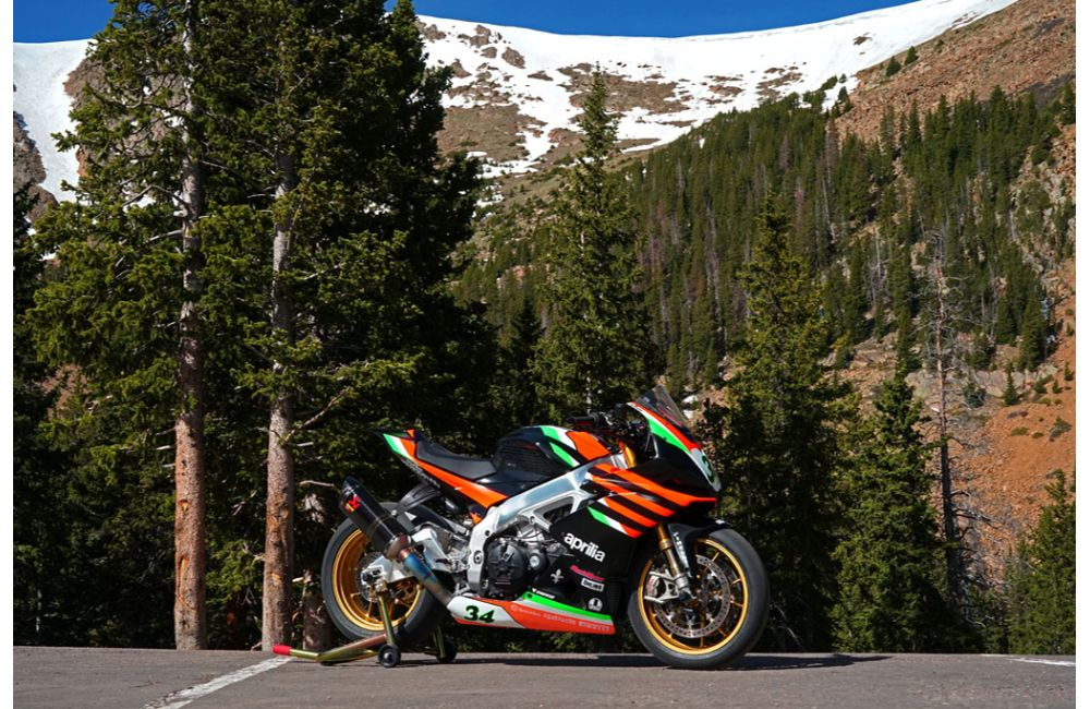 APRILIA EAGER TO TOP PIKES PEAK INTERNATIONAL HILL CLIMB_0