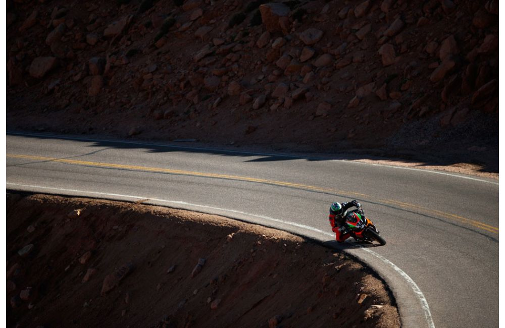 APRILIA FINISHES FIRST AT 2019 PIKES PEAK RACE_1