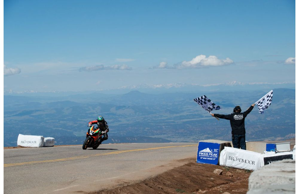 APRILIA FINISHES FIRST AT 2019 PIKES PEAK RACE_3