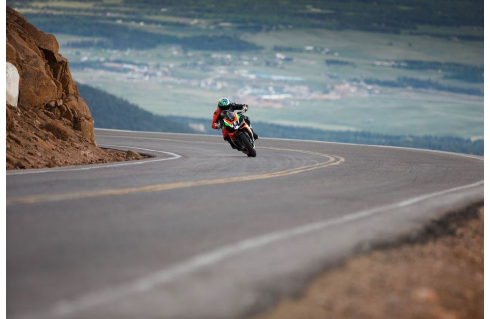 APRILIA FINISHES FIRST AT 2019 PIKES PEAK RACE_2