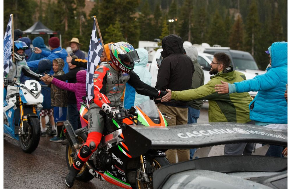 APRILIA FINISHES FIRST AT 2019 PIKES PEAK RACE_4
