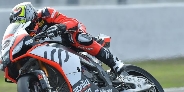 Superbike at Magny Cours_thumb